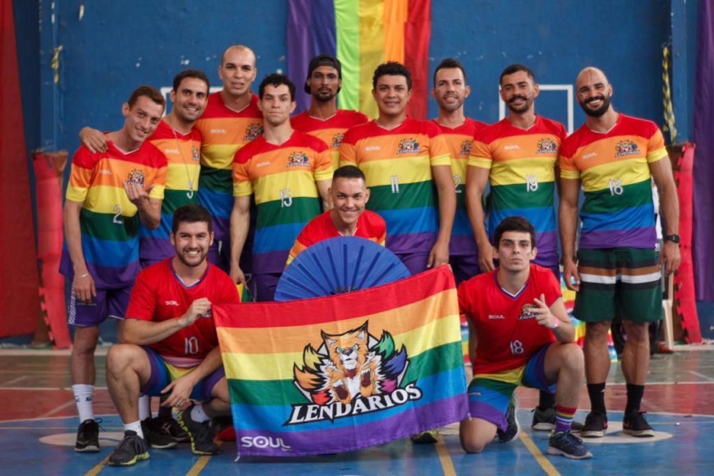 Campeonato nacional gay de vôlei ferve o Rio neste final de semana