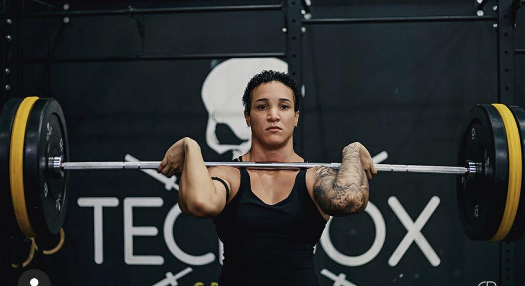 Atleta lésbica denuncia preconceito no Crossfit: 'Queriam que usasse aplique pra não assustar as pessoas'