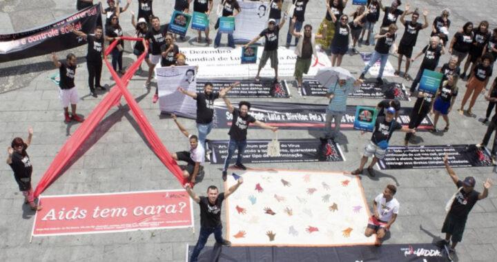 Pela Vidda-RJ realiza ato na Cinelândia pelo Dia Mundial de Luta contra a Aids
